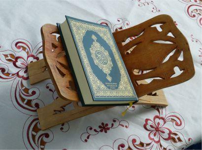 Download Surat Al Kahfi Merdu Muzammil Hasballah Muhammad Taha dan Al-Ghamdi