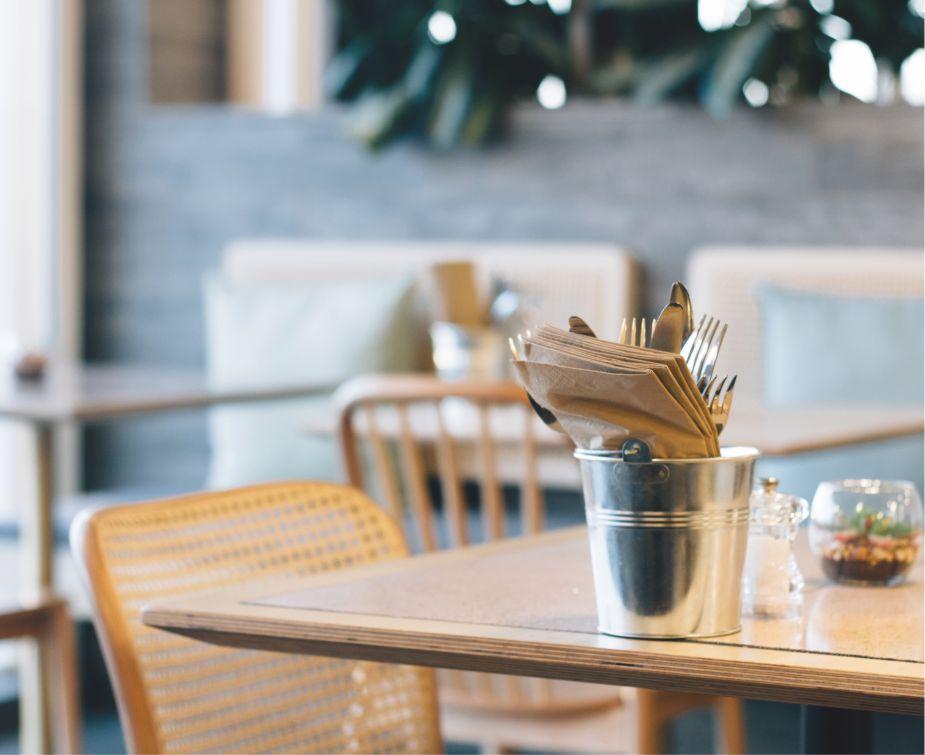 Contoh Percakapan Tentang Makanan di Restoran Untuk 2 orang