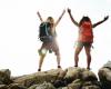Contoh Percakapan Tentang Pariwisata Dalam Bahasa Indonesia dan Inggris