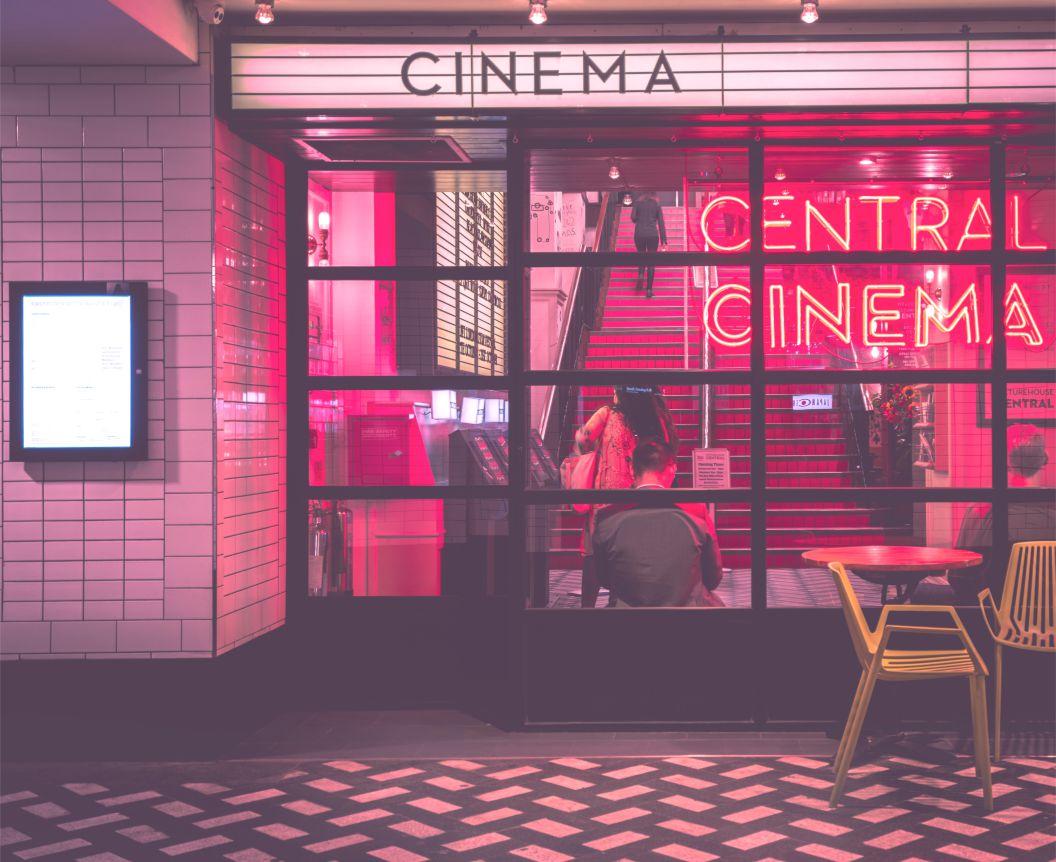 Contoh Percakapan Tentang Review Film Dan Artinya