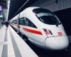 Contoh Percakapan Pembelian Tiket Kereta Api Singkat Bahasa Inggris